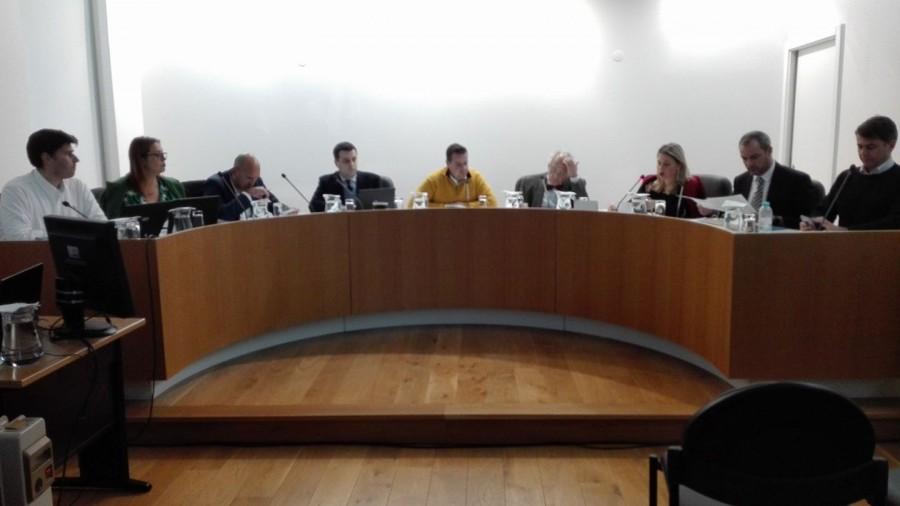 fac8fda7da Discussão politica no Barreiro ao nível de quem discute um «jogo de futebol»