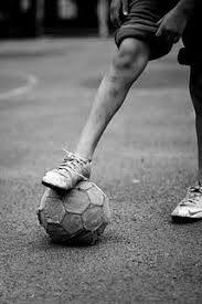 db53f7f961 Cronicas do Algarve - Acerca de um jogo de futebol na rua do Cau nas ...