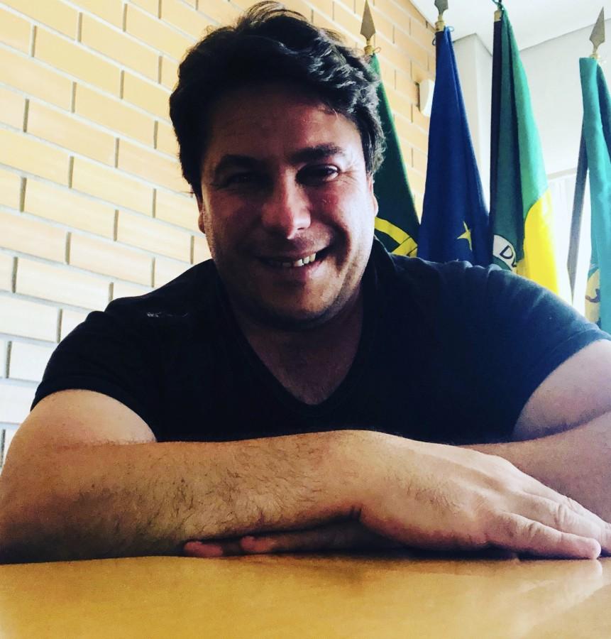 Moita - Nuno Cavaco, freguesia da Baixa da Banheira e Vale da Amoreira<br> Balneários e relvado no campo do UDCB avançam sem apoio do Poder Central<br>