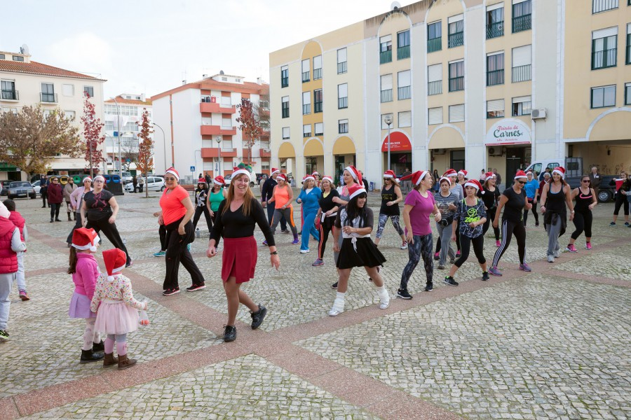 No Largo do Mercado Municipal da Moita<br />