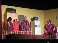 TELA – Teatro Estranhamente Absurdo - PALMELA / BARREIRO<br> Uma sátira social em «busca» da actualidade
