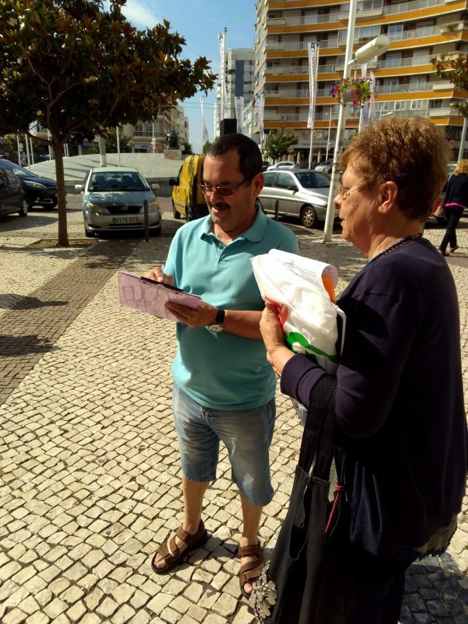 Adesão da população de Almada foi muito boa<br /> Utentes recolhem assinaturas pela redução de preço do gás de botija
